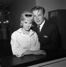 Mike_Sarne_And_Wendy_Richards_310640