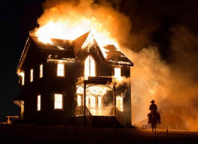 the_homesman_burning_house_600x438