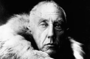 Amundsen_in_fur_skins