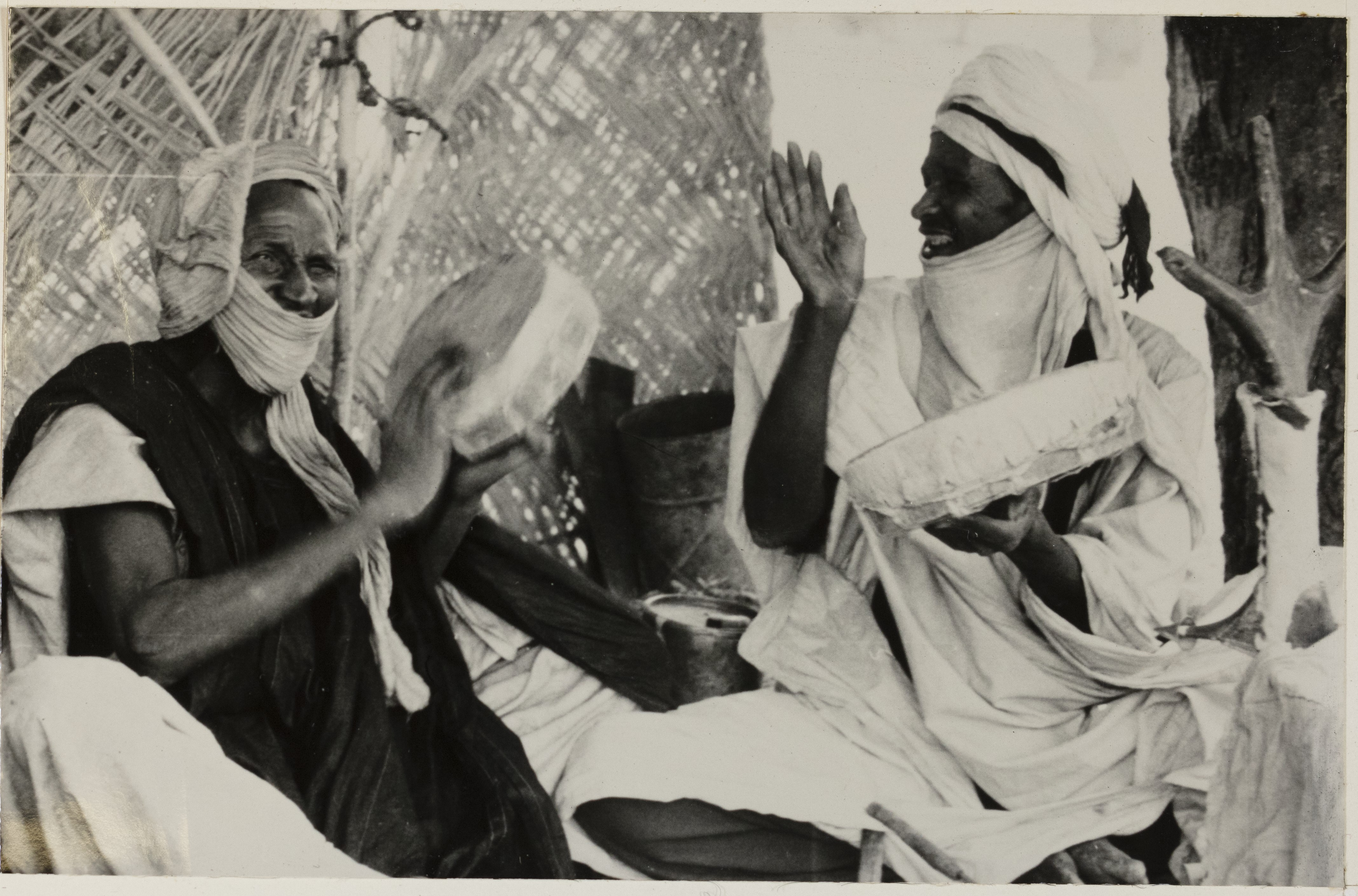 Tuareg_men_playing_tendi__photo_courtesy_of_the_Moses_and_Frances_Asch_Collection
