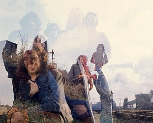 TREES: FROM ARCHIVES INTO A BOX (2021): Seventies Brit-prog-folk onna psyche-American trip