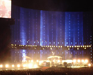 U23D CONCERT MOVIE: Even Better Than the Real Thing?