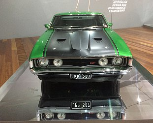 AUSTRALIAN AUTOMOBILE DESIGN EXHIBIT (2015): G'day Bruce, godda new mowda?