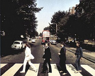 ABBEY ROAD REVISITED (2006): Crossing the crossing