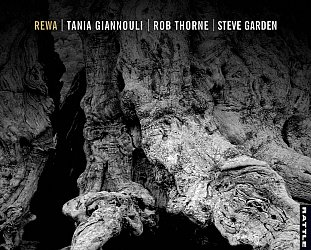 Giannouli/Thorne/Garden: Rewa (Rattle)