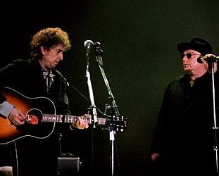 Bob Dylan and Van Morrison: Knocking on Heaven's Door (live 1998)