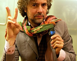 THE FLAMING LIPS' WAYNE COYNE INTERVIEWED (2004): In search of the miraculous