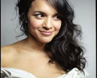 NORAH JONES INTERVIEWED (2002 and 2003) AND ALBUM REVIEWS: Great Expectations -- and then some