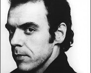 John Hiatt: She Loves the Jerk (1983)