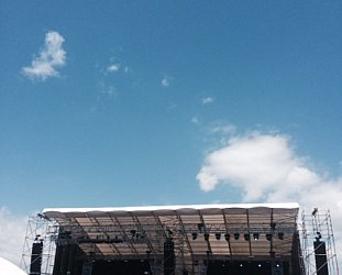AUCKLAND'S LANEWAY FESTIVAL CONSIDERED (2015): Out of a clear blue sky . . .