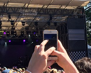 AUCKLAND'S LANEWAY FESTIVAL CONSIDERED (2018): Hot town, summer in the city . . .