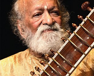RAVI SHANKAR INTERVIEWED (1998): In the house of the master