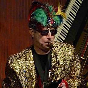 THE REVOLUTIONARY SNAKE ENSEMBLE PROFILED (2017): The Nawlins beat of the Boston street