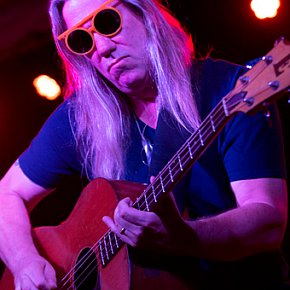 VIOLENT FEMMES' BRIAN RITCHIE INTERVIEWED (2020): Playing to the gallery