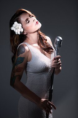 BETH HART INTERVIEWED (2015): Coming home to herself at last
