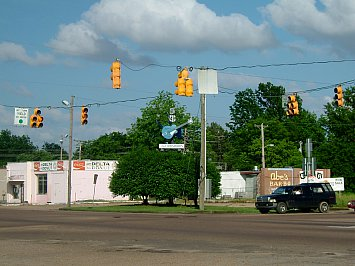 TRAVELLING RIVERSIDE BLUES: Robert Johnson, the blues and Clarksdale, Mississippi