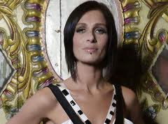 THE FAMOUS ELSEWHERE QUESTIONNAIRE: Kasey Chambers