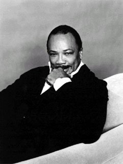 Quincy Jones: The professional in the pissoir.