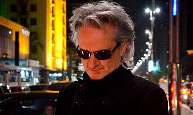 THE FAMOUS ELSEWHERE SONGWRITER QUESTIONNAIRE: Wayne Hussey of the Mission