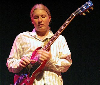 DEREK TRUCKS INTERVIEWED (2009): Allman and Clapton, but his own man