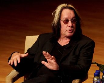 TODD RUNDGREN INTERVIEWED (2010): Getting out his Johnson for you