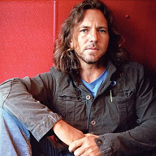 EDDIE VEDDER OF PEARL JAM INTERVIEWED IN SEATTLE (2002): Reading their Riot Act